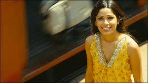 Slumdog Millionaire-Latika sees Jamal